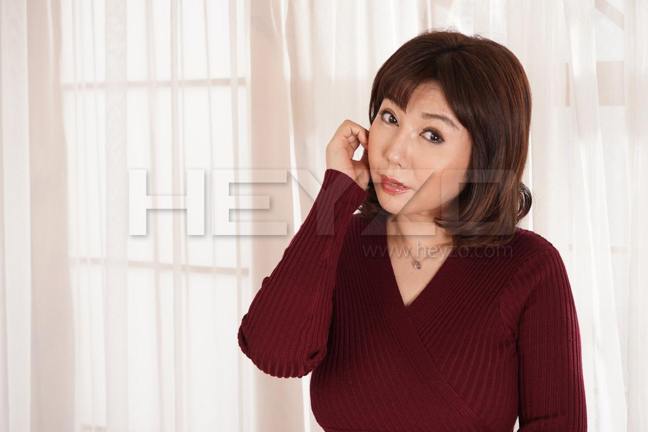 美原咲子 巨乳人妻のイケナイ情事