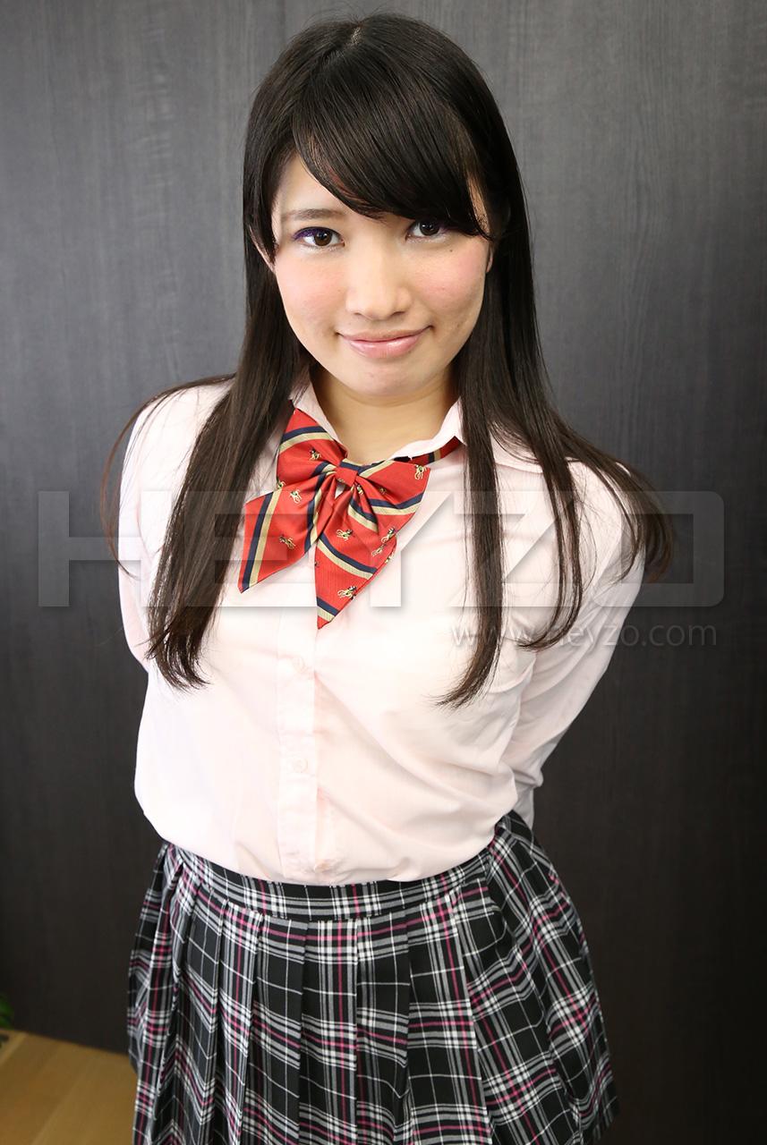 本田若菜 美白素人娘を制服コスでいただきます!