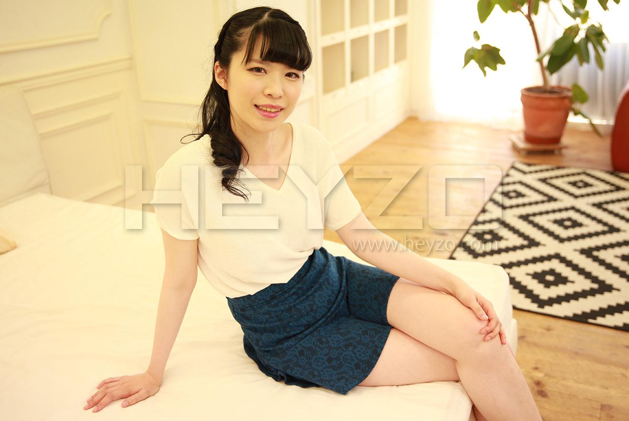 泉麻里香 ボクの乳首を執拗に責めてくる痴女姉さん Vol.2