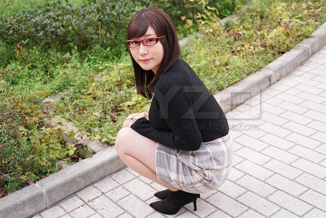 宮園ももこ 地味なメガネ女子大生の巨乳を弄ぶ
