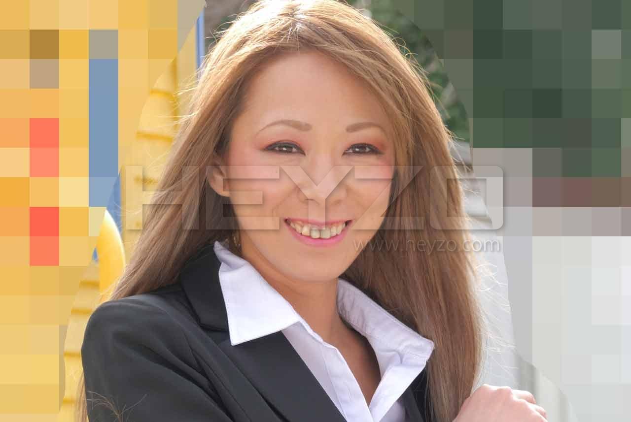 Asuka 美痴女~ケバい熟女に責められる!~