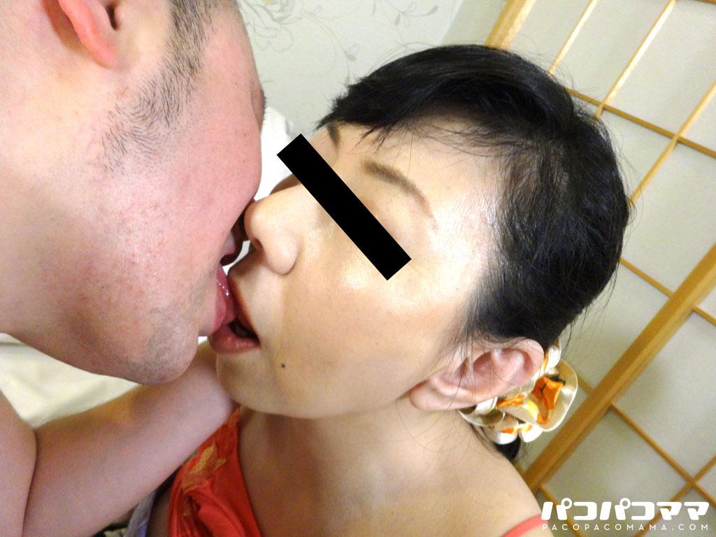 華城咲 奥さん、手を使わないでフェラチオしてくれよ! 9