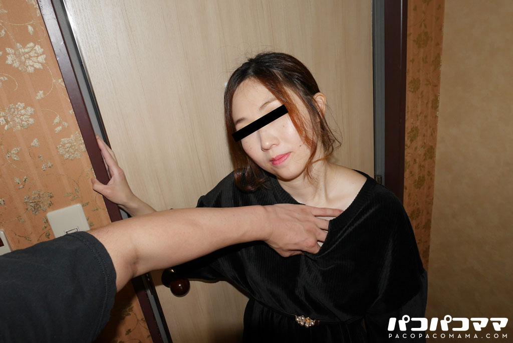江口弘子 セックスに貪欲なスケベな人妻ととことんヤリまくる